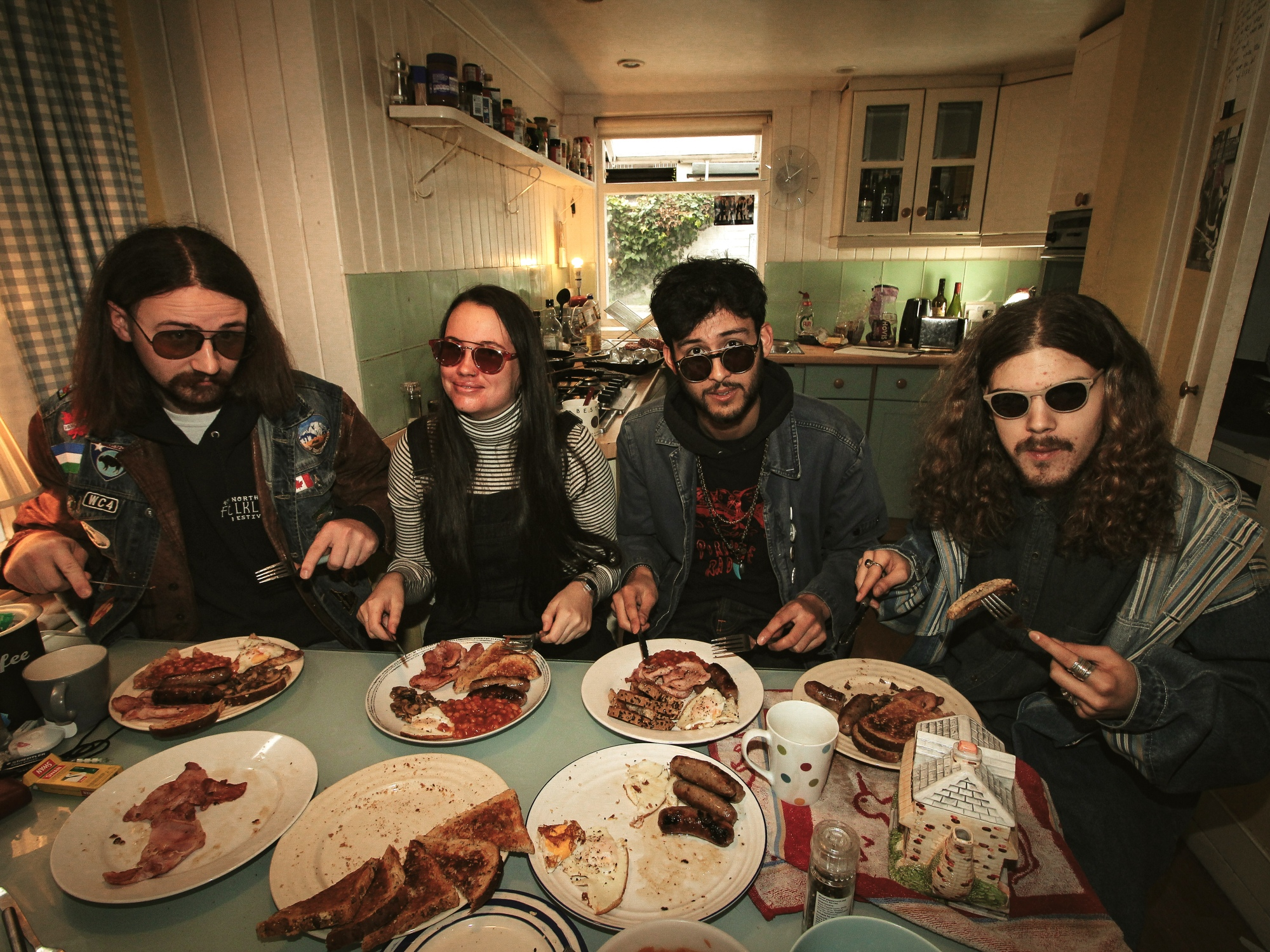 Tugboat Captain – 'Be Strong, Smoke Less' – The DIY Pop